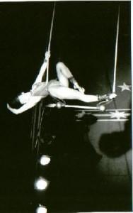 trapezecircusb&w